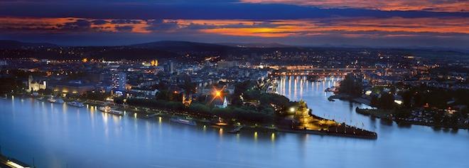 Deutsches_Eck_Abend_Koblenz-s.png